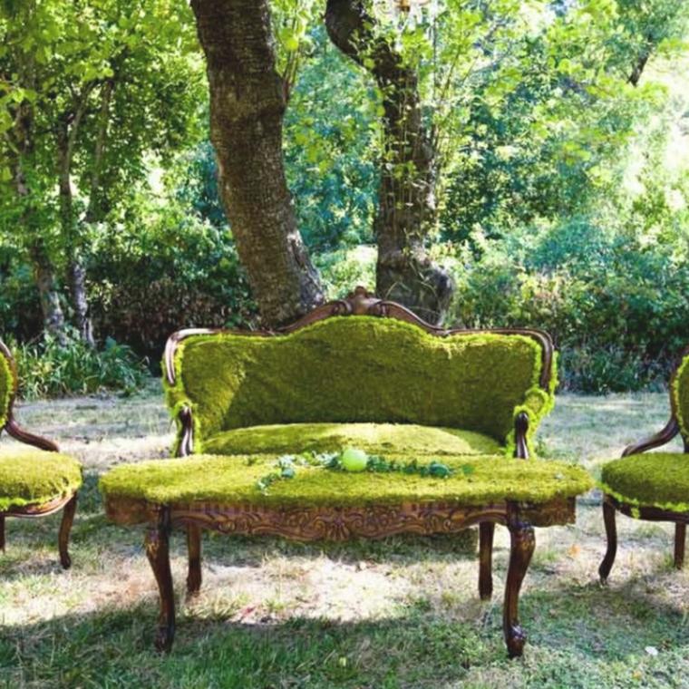 Couverture de mousse pour les meubles
