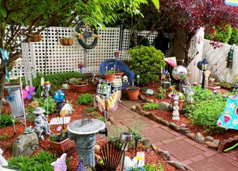 Décoration de jardin originale avec des figures décoratives