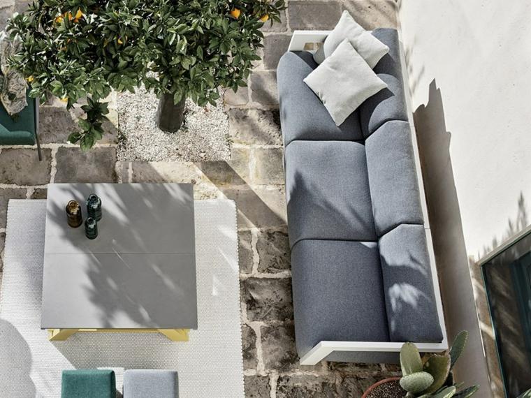 design-de-jardines-2019-sofa-gris-grande-ideas