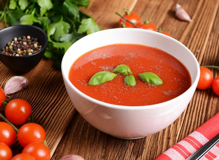 préparation de gaspacho-facil-casa