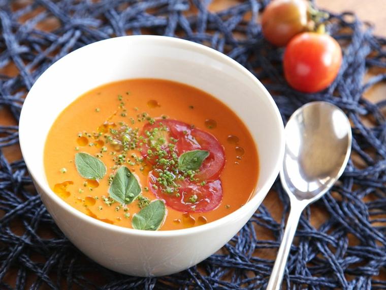 recette de gazpacho-préparation-maison