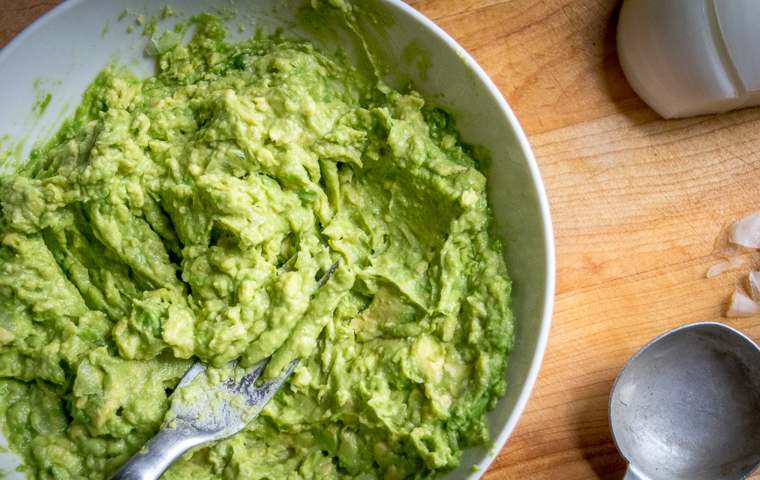 Comment faire de la sauce guacamole facilement