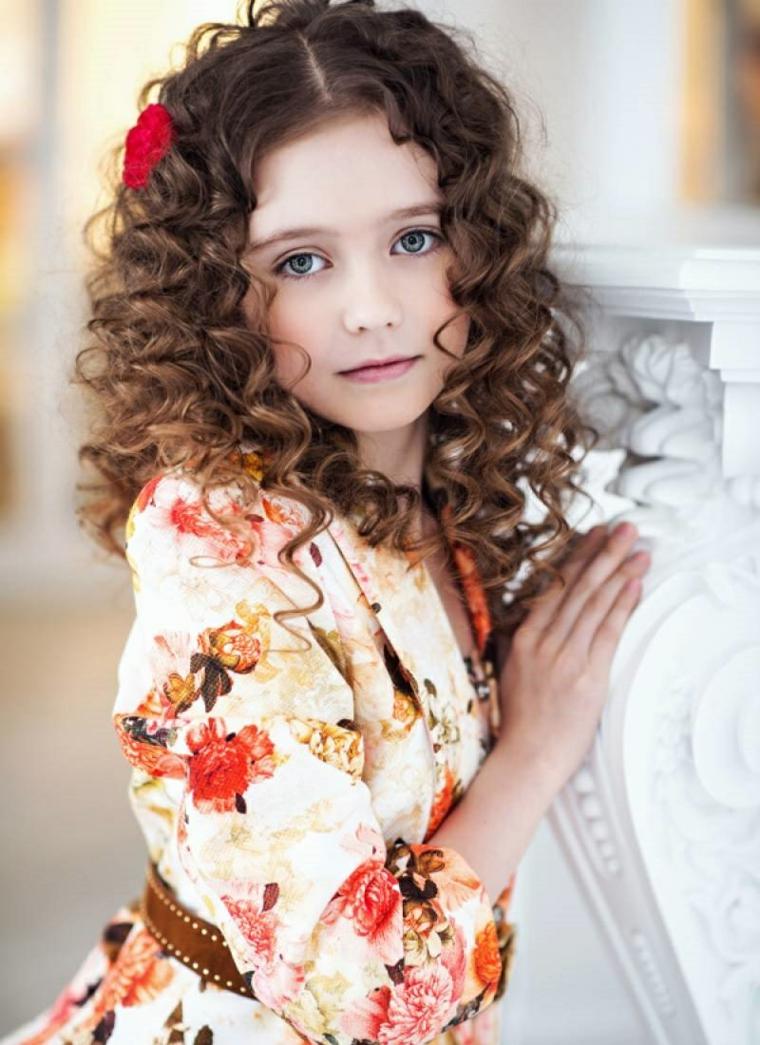 coupes de cheveux filles 2019 cheveux-court-bouclés