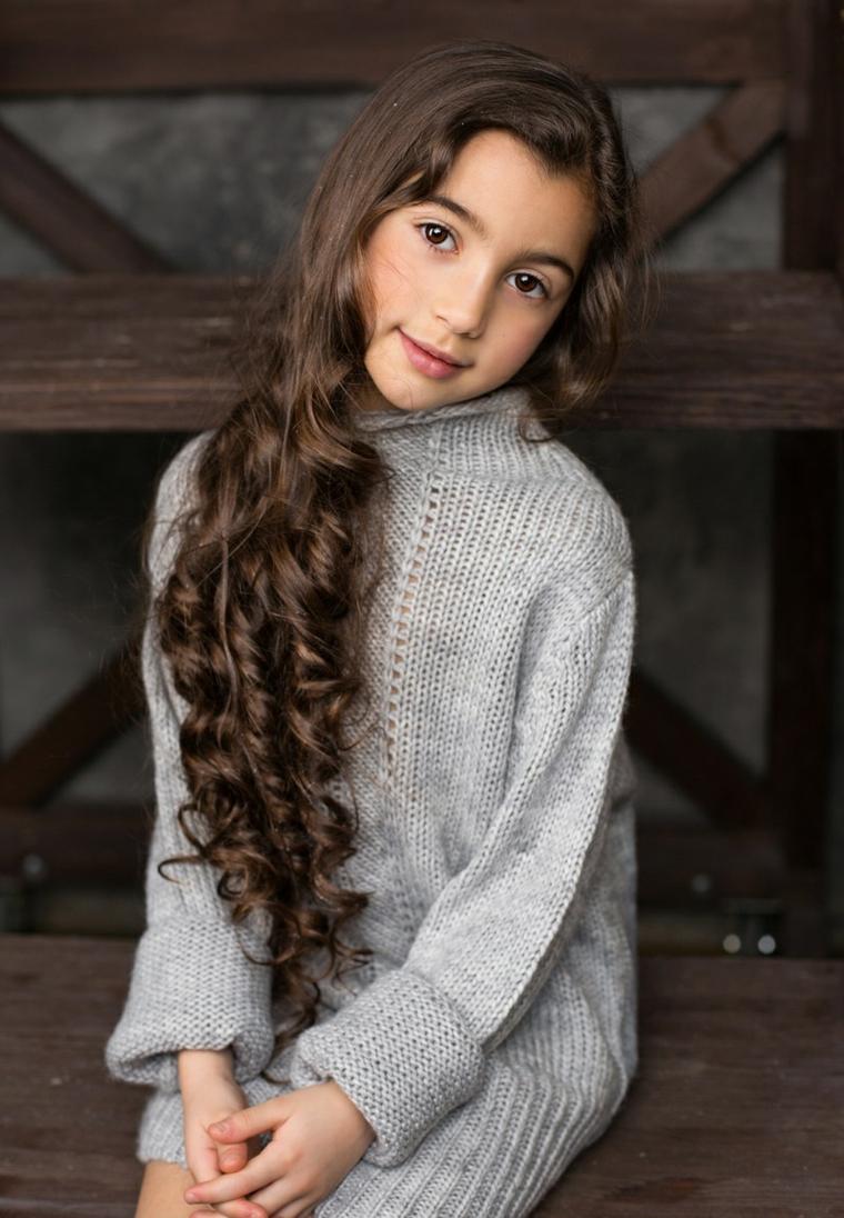 coupes de cheveux filles 2019-cheveux-longs-couleur-marron