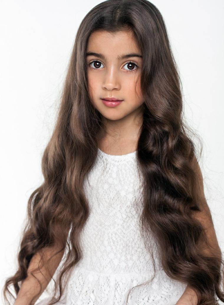 coupes de cheveux filles 2019-cheveux-long-onduleux