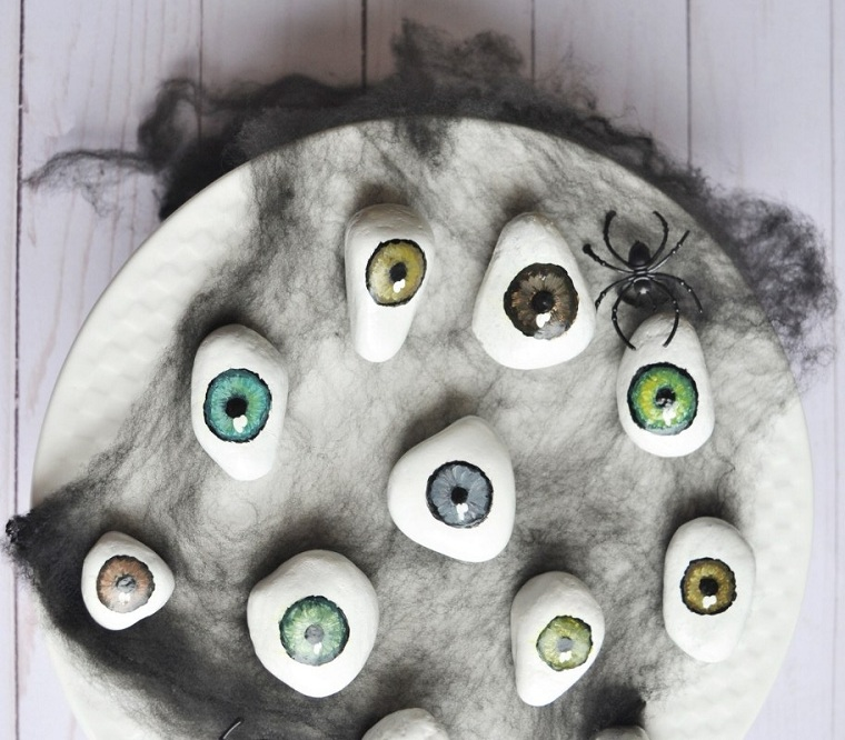 Halloween-décoration-yeux-idées