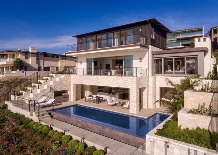 maison-grand-jardin-piscine-design-original