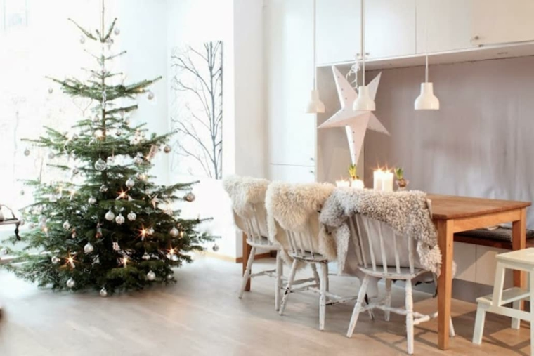 hygge decor-tree-style-chaises-de-noel