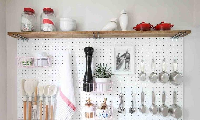 cuisine-accessoires-idees-table-piquets-etagère