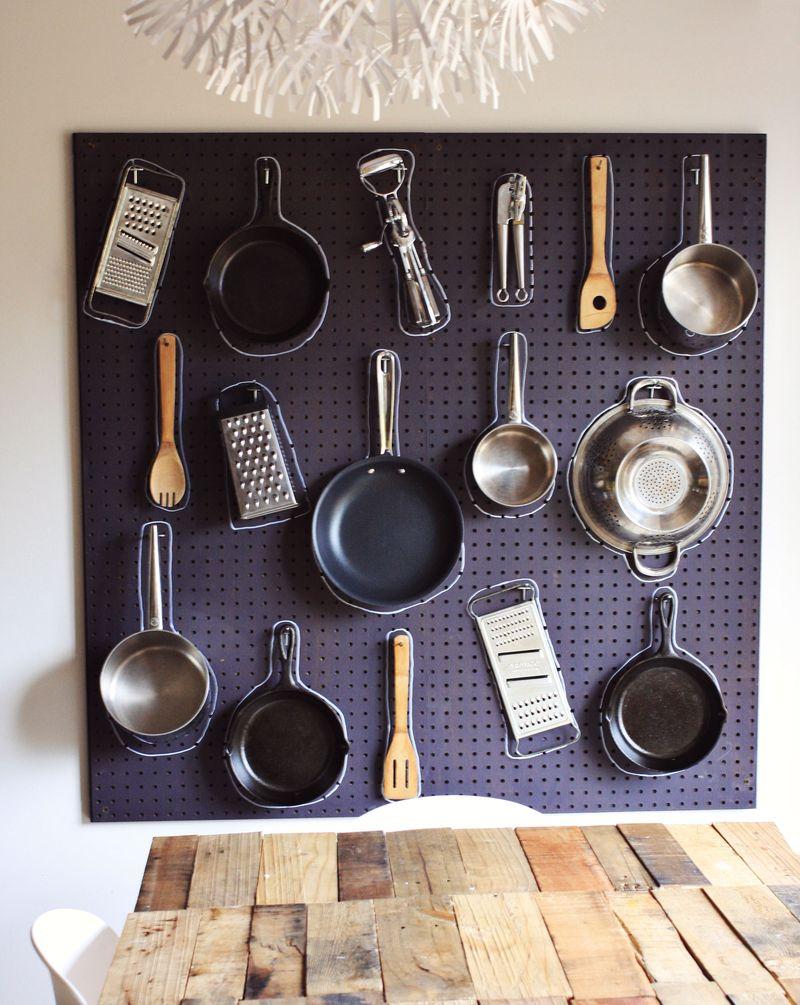 cuisine-accessoires-idees-table-piquets-noir