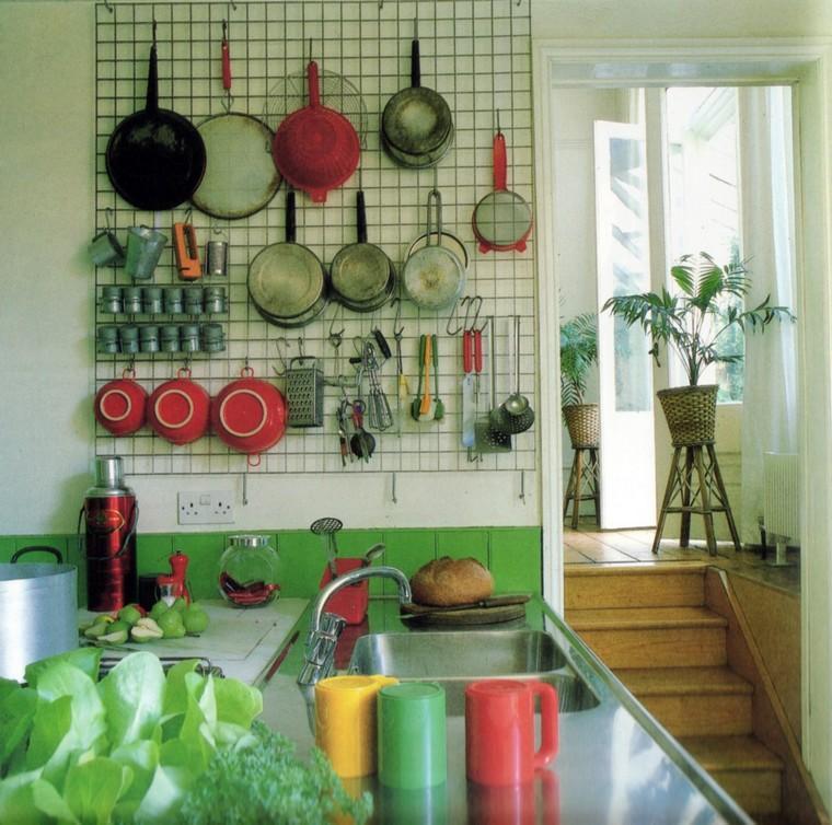 cuisine-accessoires-idees-table-piquets-grille