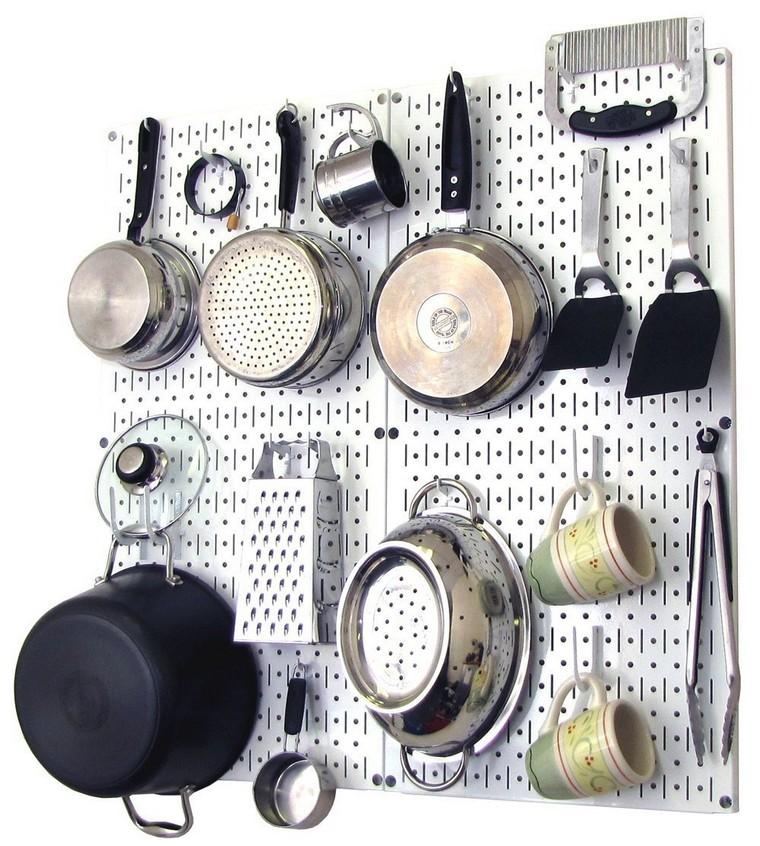 conseil-chevilles-cuisine-acier-brillant