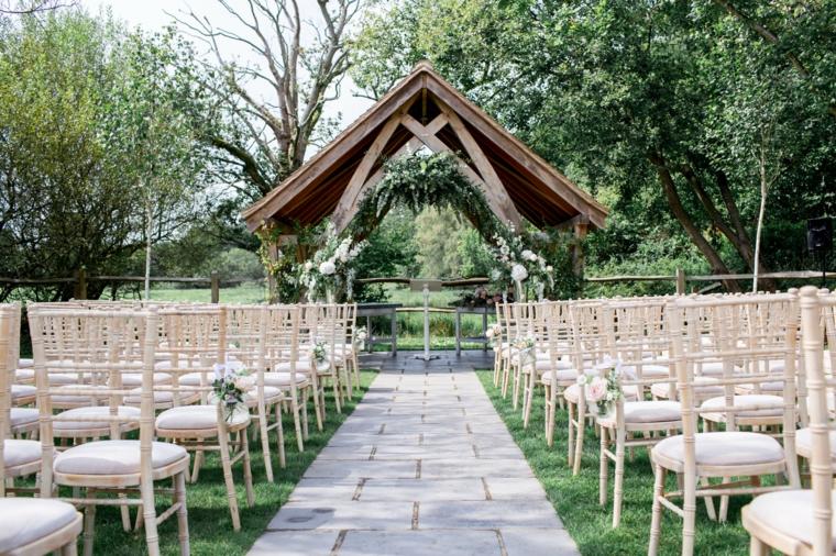 idées de mariage 2019 route-autel-mariage-original-options