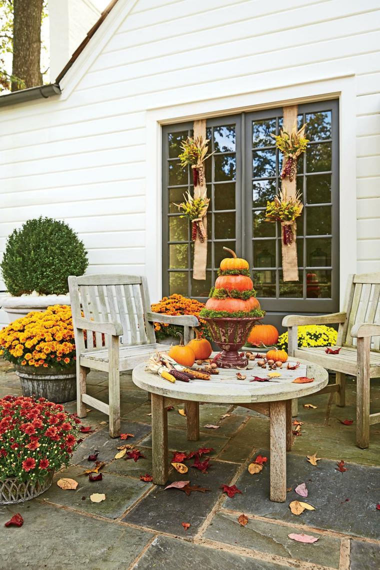 belle terrasse décoration dautomne