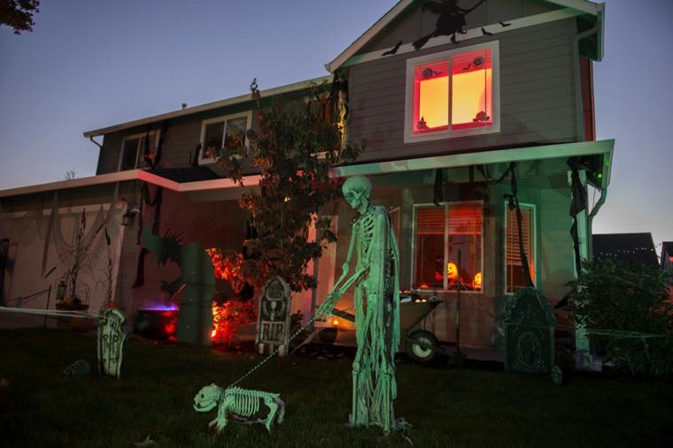 ornements pour halloween-decorate-exterior