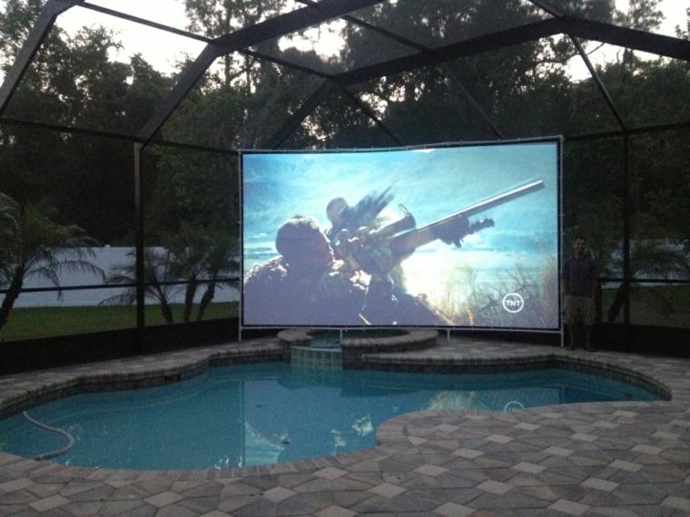 cinéma maison-à-la-piscine (2)