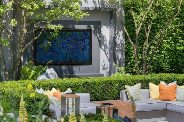 écran dans le jardin