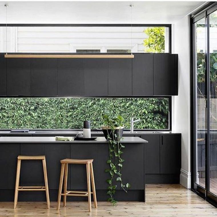 fenêtre tableau de bord-cuisine-noir
