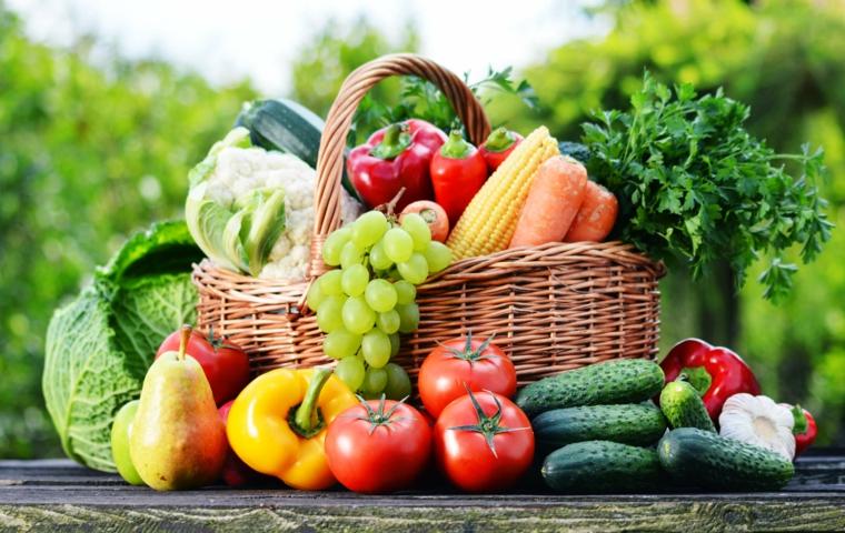 panier-avec des fruits et légumes