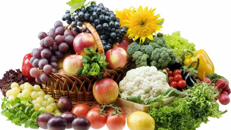 beaucoup de fruits dans le panier