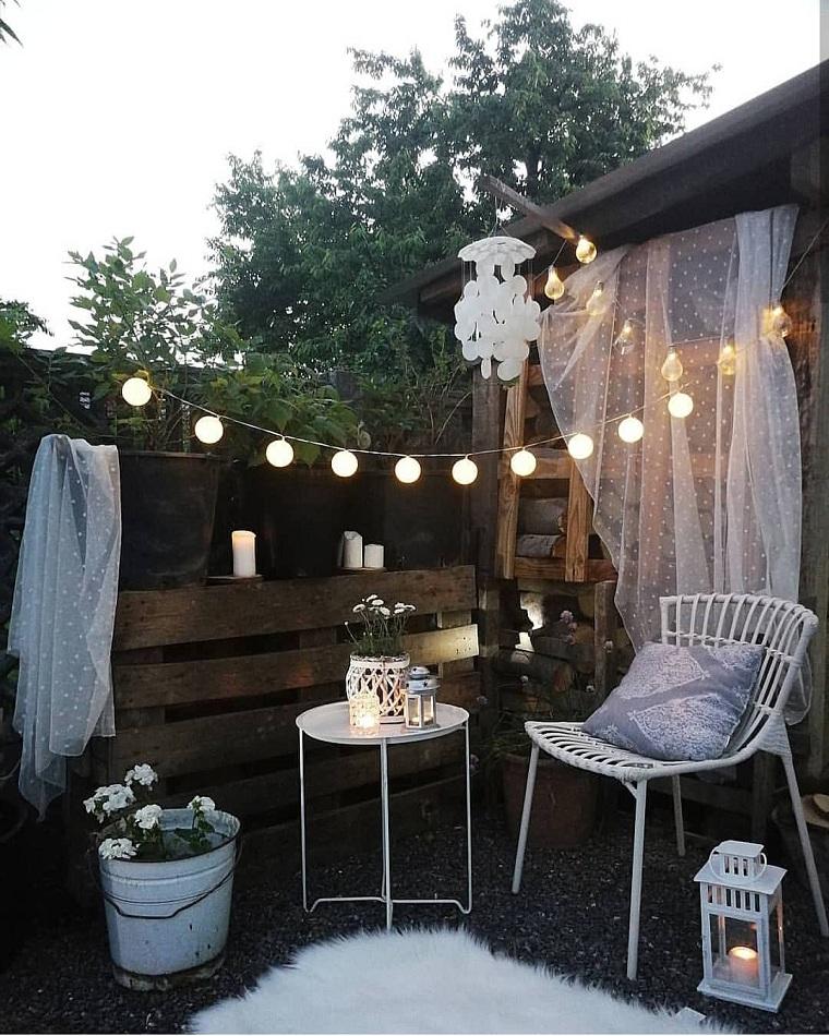 hiver balcon-décorer-meubles-blancs