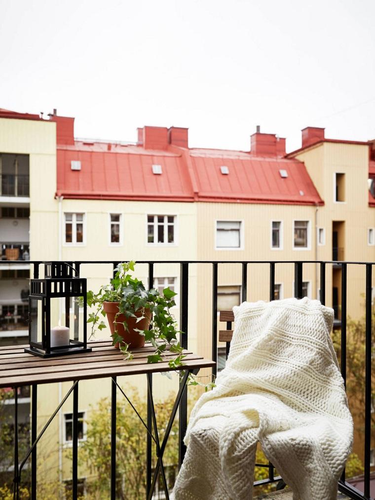 hiver-balcon-décorer-meubles-chaise-pliante