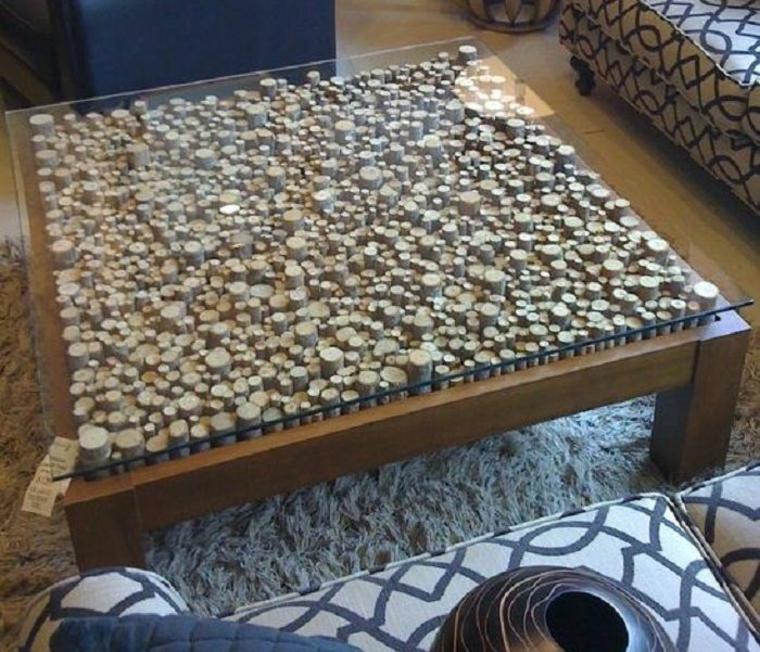 Surface de la table basse