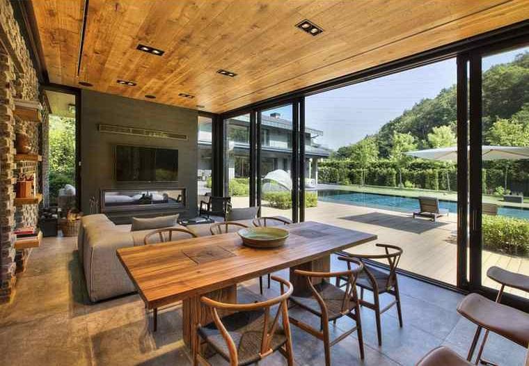 maisons-moderne-interieur-design-salle-vue-piscine