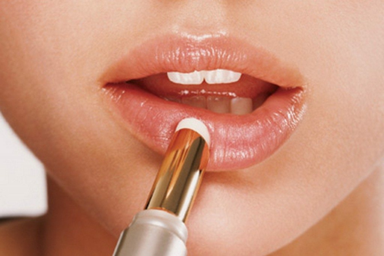 conseils de maquillage-peinture-lèvres