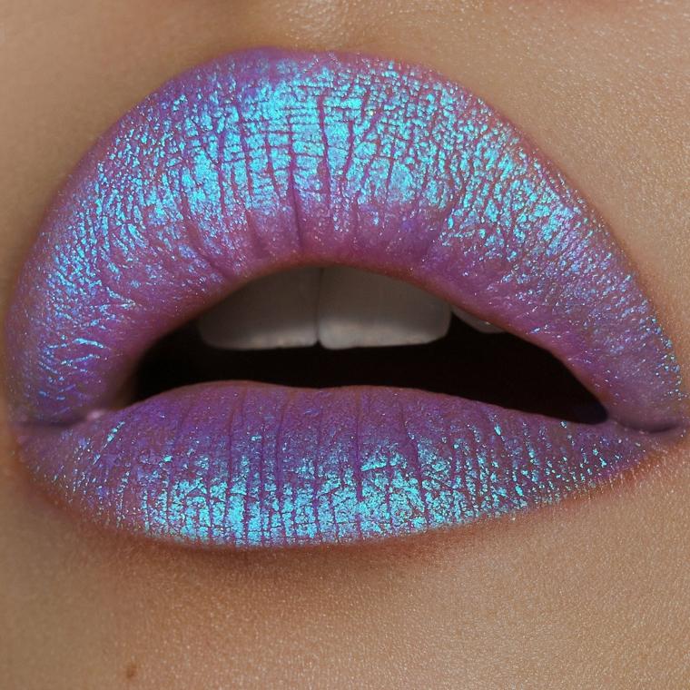 produits de maquillage-lèvres modernes