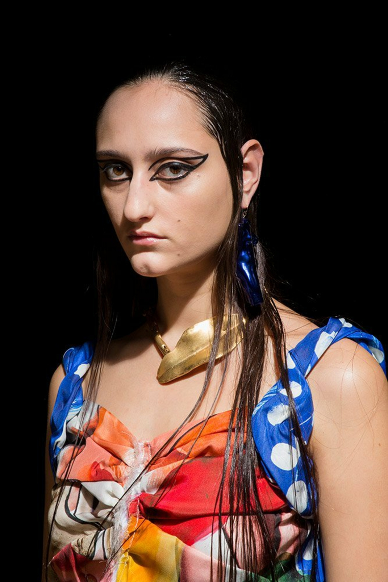 marni-primavera-2019-maquillaje-estilo-grafico