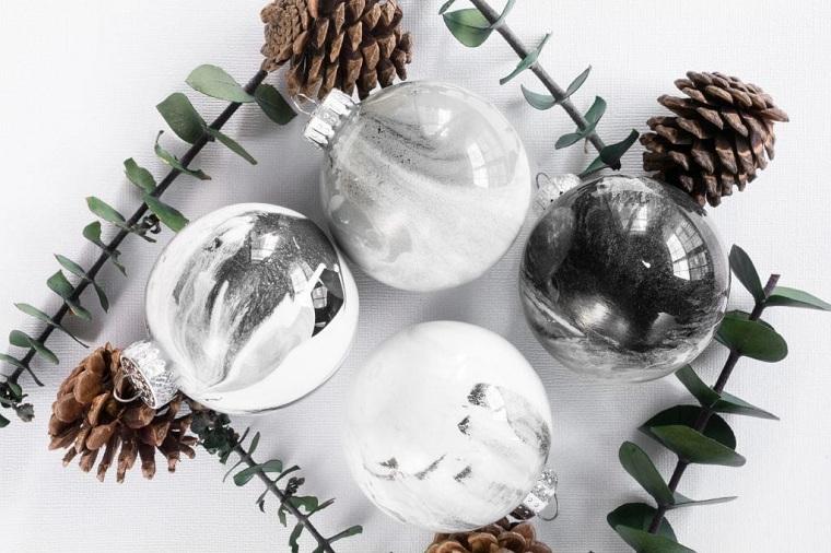bricolage-ornement-original-arbre-noel-effet-marbre