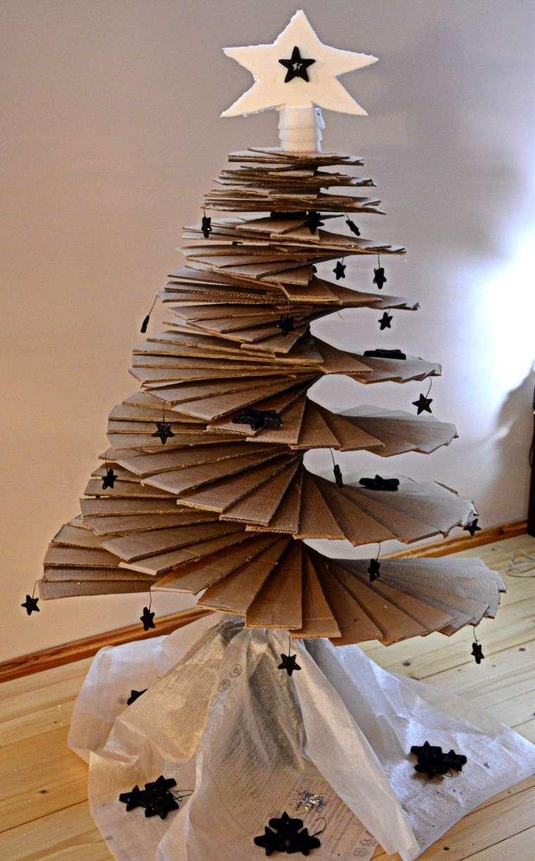 carton-recyclé-arbres-noël