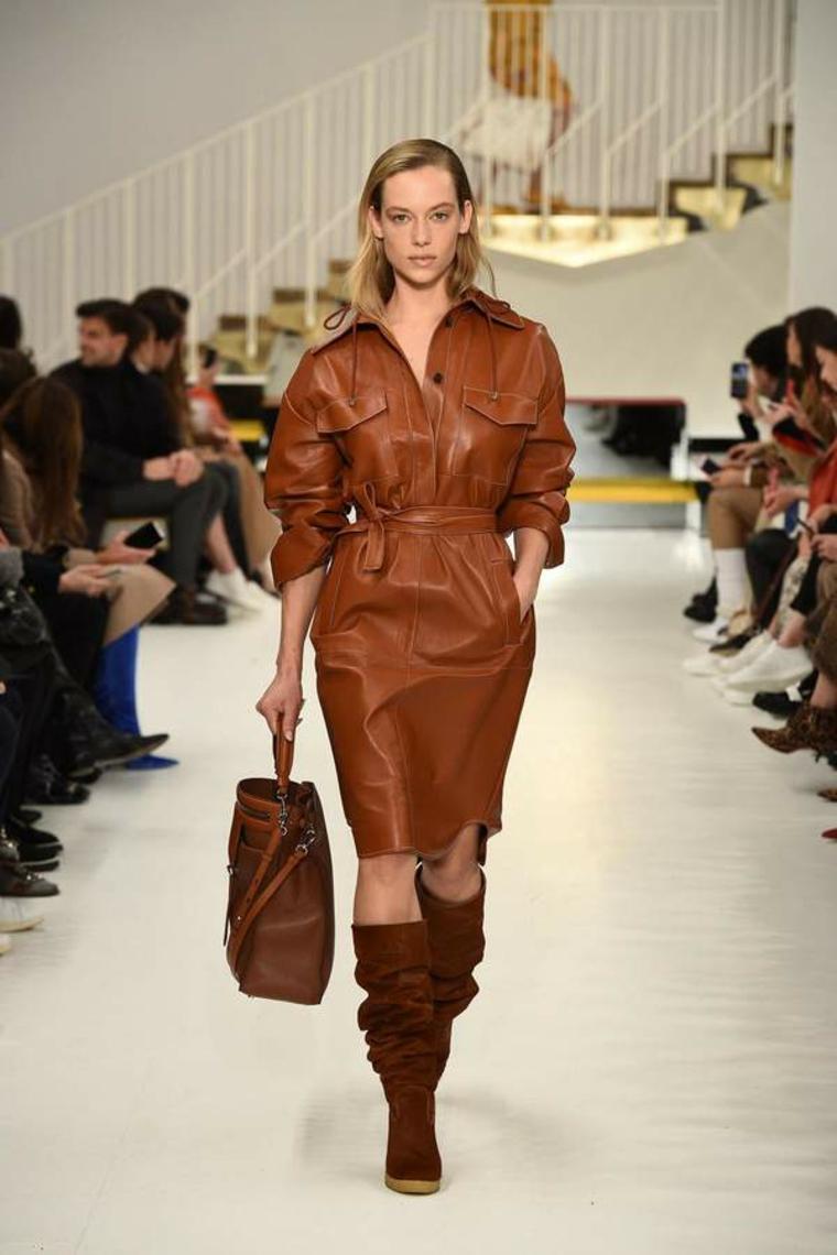 robe en cuir marron