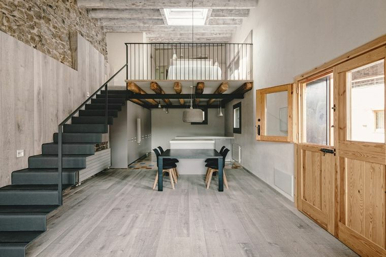 escaliers en colimaçon-intérieurs-droites