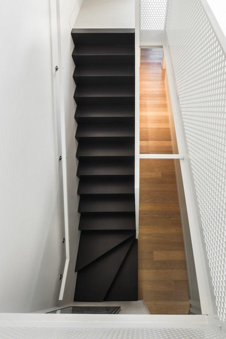 escaliers en bois pour intérieurs-noir