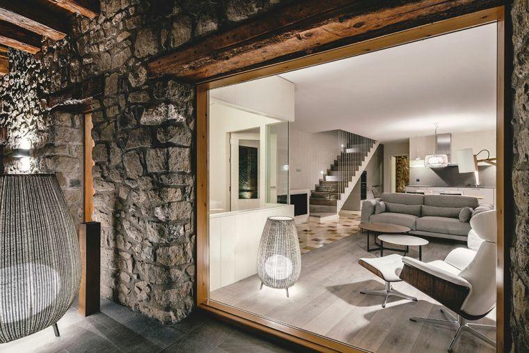 escalier métal-intérieur-moderne
