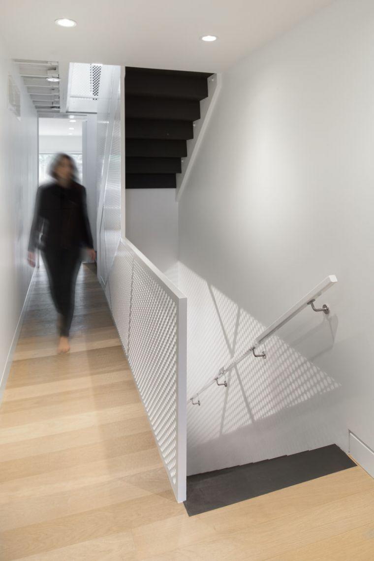 escaliers pour maisons-éléments-noirs