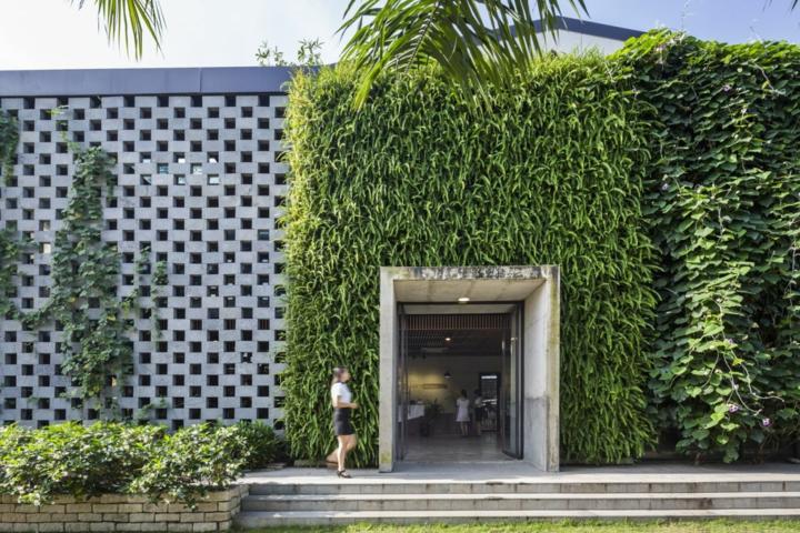 bâtiments-public-moderne-différent
