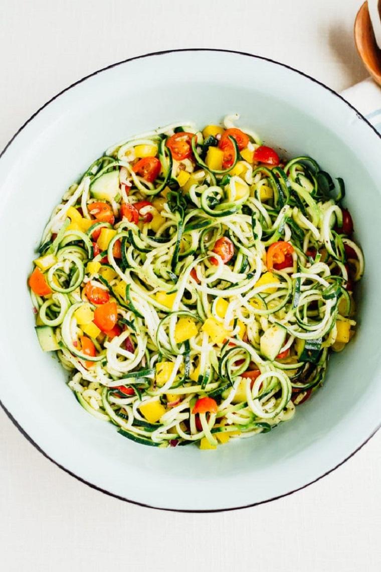 nouilles-courgettes-recettes-salade-légumes