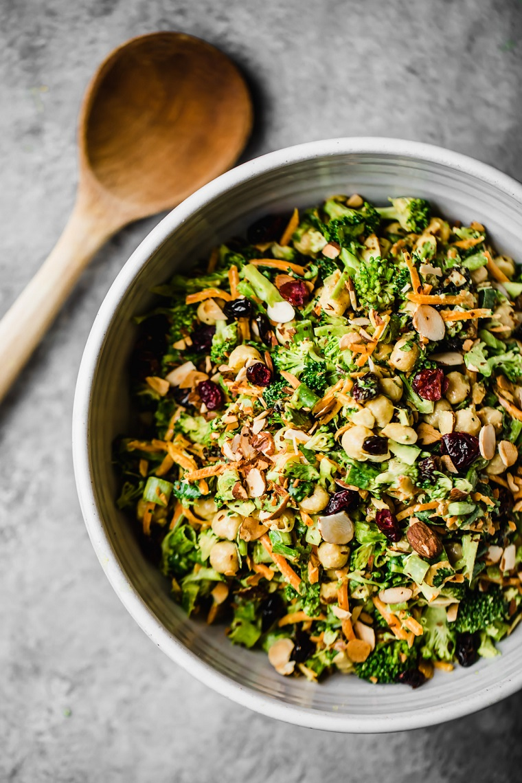 recettes de plats végétaliens-easy-options-salade