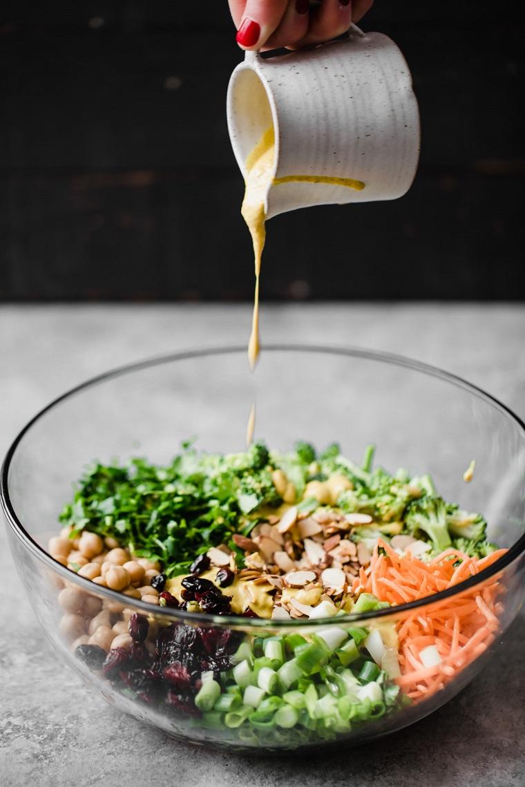 recettes-végétalien-recettes-faciles-options-salade-vinaigrette au brocoli