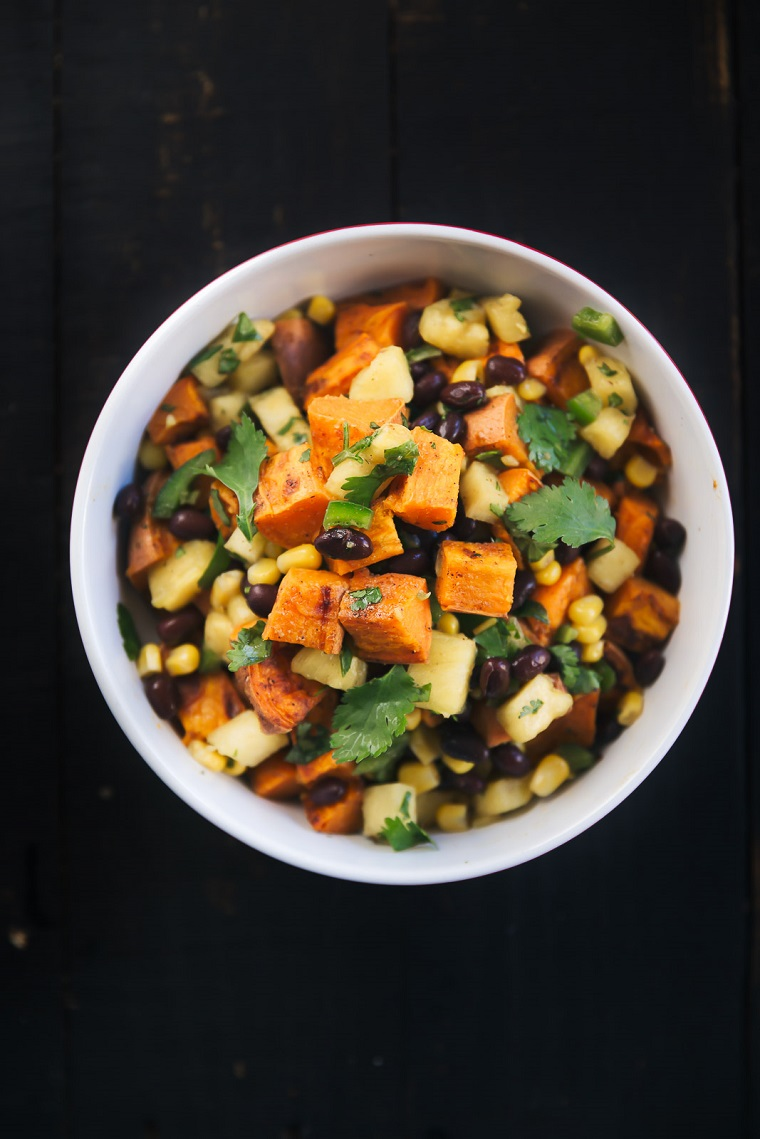 recettes-végétaliennes-plats-faciles-options-salade-patates-douces-idées