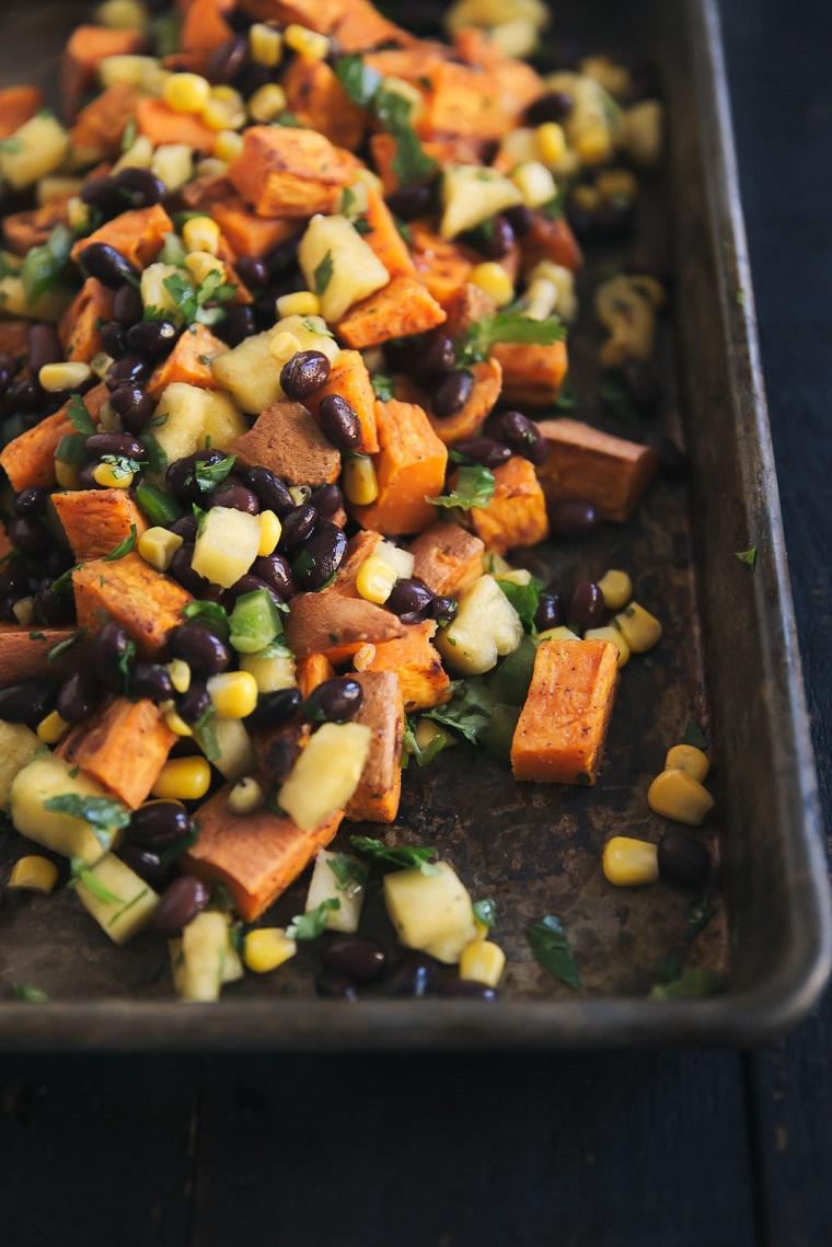 repas-végétalien-recettes-faciles-options-pomme de terre-sucré-brocoli-options