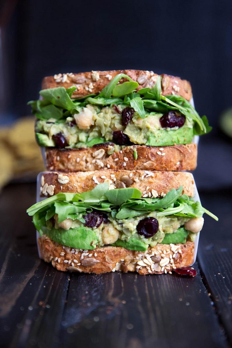 Comida-rica-vegana-Sandwiches-avocat-pois chiches