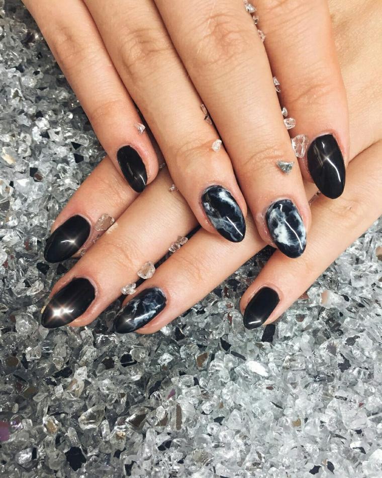 design-certains-invirno-2018-couleur-marbre-noir
