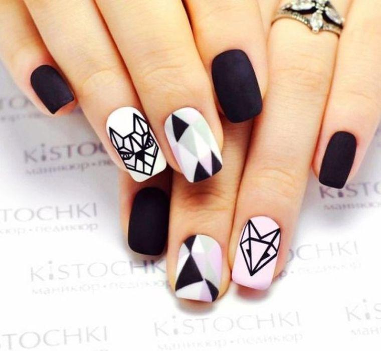 ongles peints-dessin-geometrique-blanc-noir-match