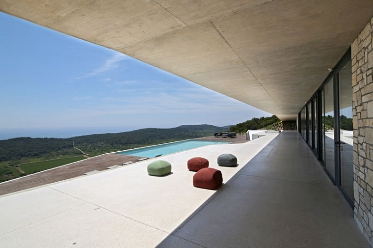 terrasse-moderne-concept-minimaliste