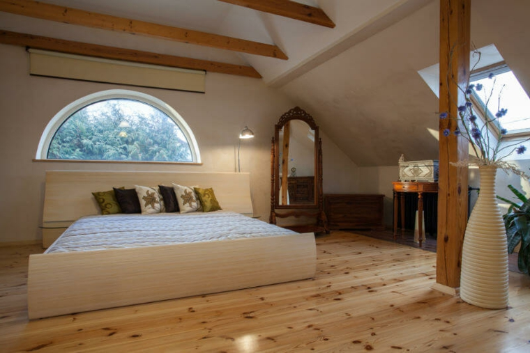 belle chambre dans le grenier