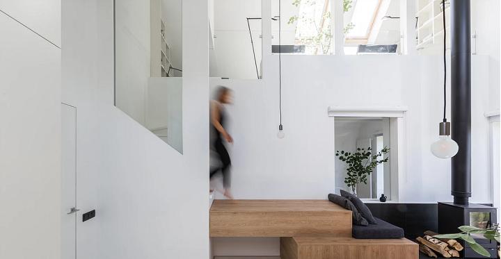 escalier-fonctionnel-cheminée-interieur